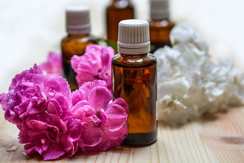 essential-oils-1433694_1920_1.jpg